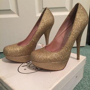 Steve Madden Caryssa Gold Glitter Size 6.5